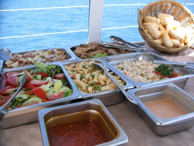 Lunch on day tours in the Whitsundays?