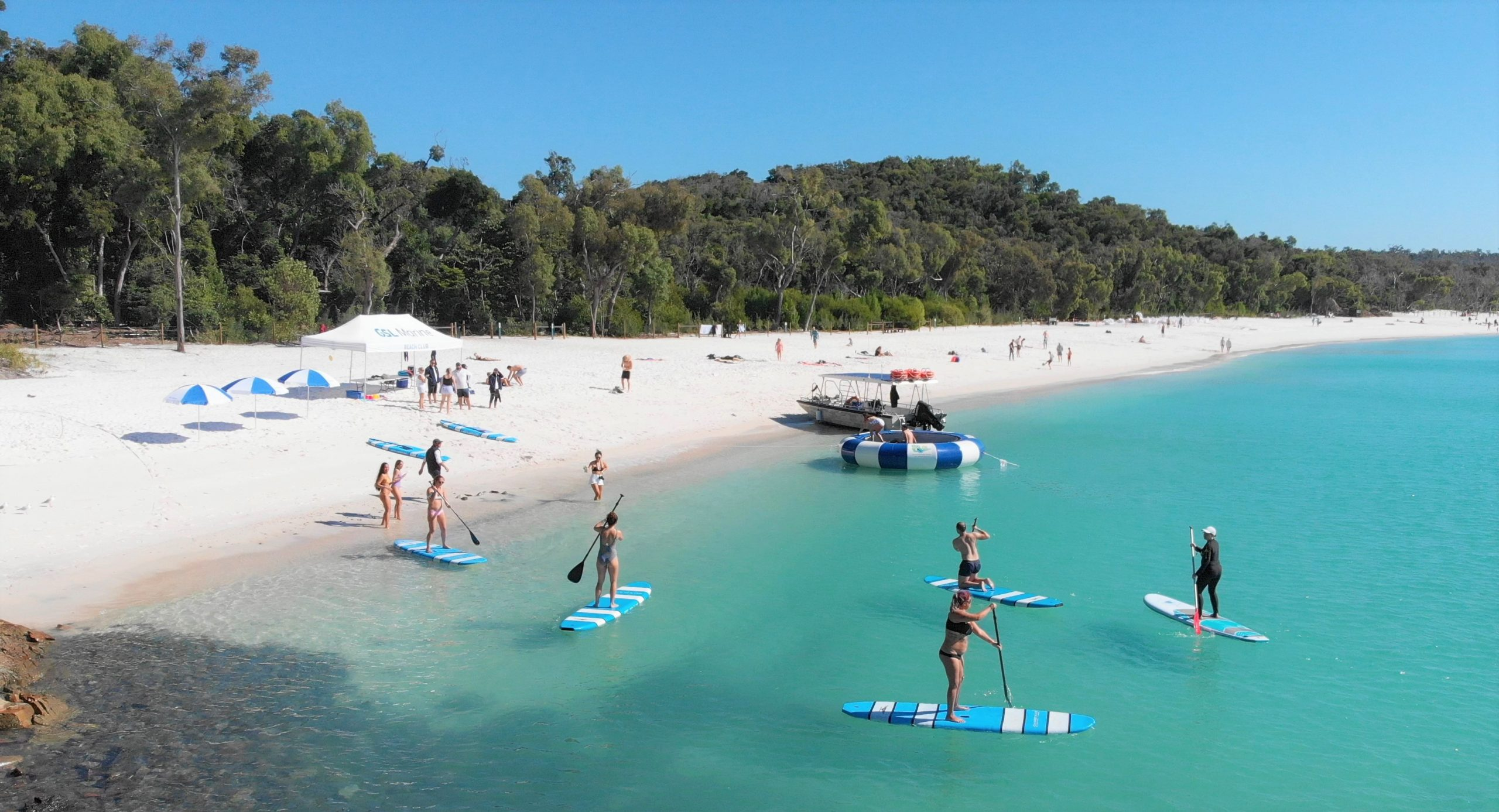 Standup paddle board Whitehaven Beach